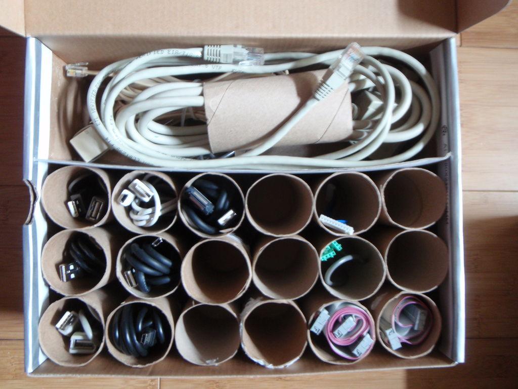 Jednoduchý box na kabely: Kabely pod kontrolou a bez chaosu