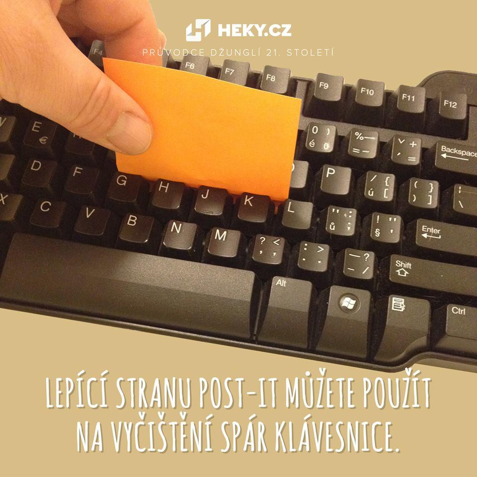 hekycz-lepitko-post-it-cisteni-klavesnice