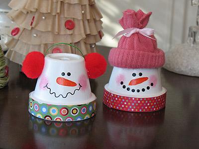 cute-diy-snowmen-from-terra-cotta-pots-1