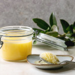 Domácí přepuštěné máslo Ghí